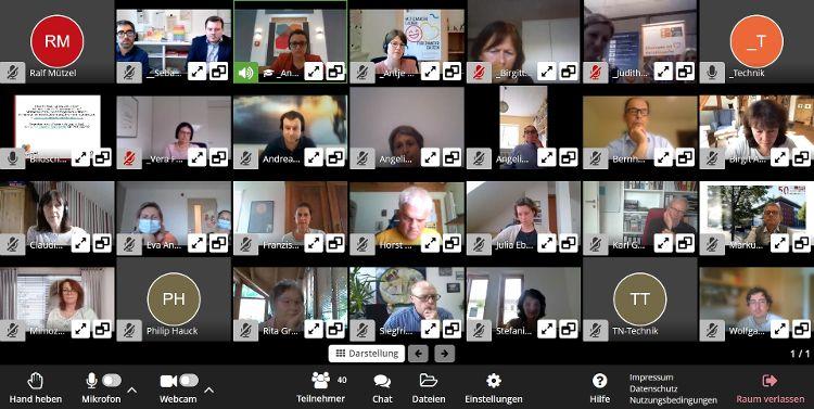 Das Foto ist ein Screenshot während des Workshops auf der Online-Plattform Visavid
