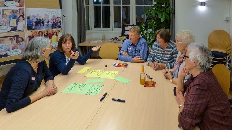 Im Bürgerhaus gab es rege Diskussionen.
