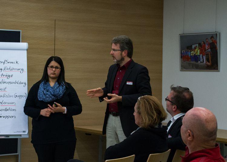 In Arbeitsgruppen wurden bei der Bürgerkonferenz Vorschläge diskutiert und gesammelt.