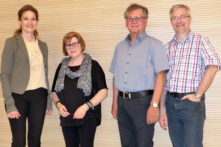v.l.n.r.: Rektorin Sabine Söllner-Gsell, Dr. Cornelia Wolfgruber, Helmut Christa und Herbert Meier