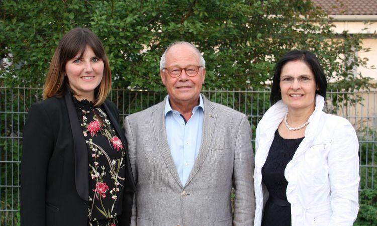 Foto: (Inge Meier): Der neue Vorstand der Bürgerstiftung (v. links: Sophie Stepper, Helmut Rauscher, Vera Finn)