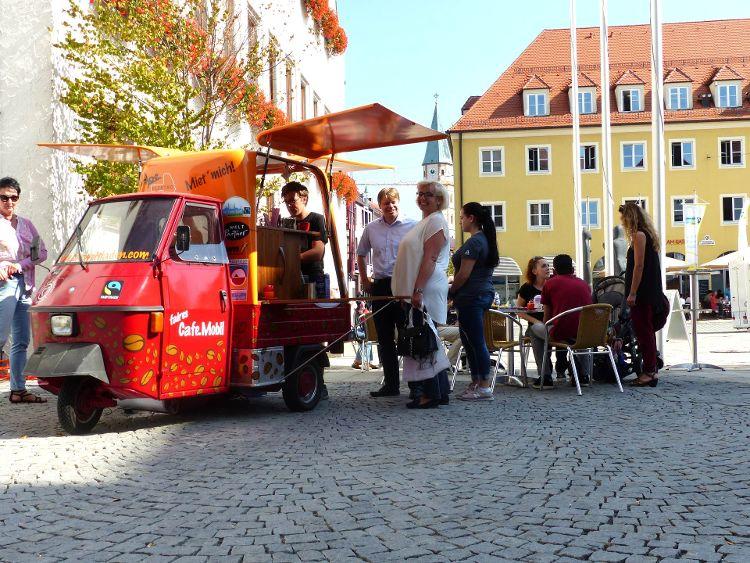 Das Faire Café Mobil des Eine Welt Ladens Neumarkt war wieder während der Fairen Woche 2018 im Einsatz.