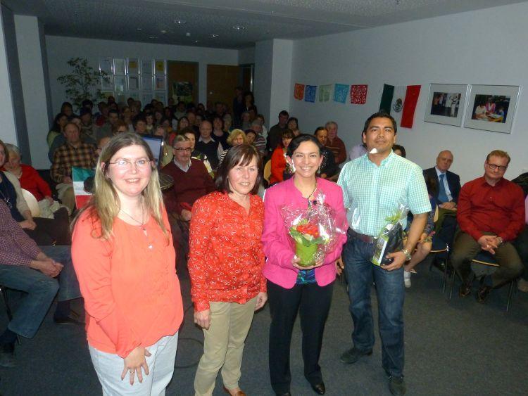 (von links) Margit Meier und Birgitt Rupp von der Freiwilligen-Agentur, sowie die beiden Referenten Blanca Fröhler und Alfredo Sandoval-Wong.