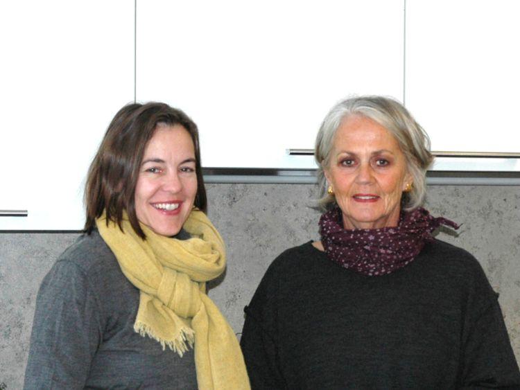 v.l.n.r. Eva Diepenseifen (Vorstand Bürgerstiftung), Ursula Nießen (Vorsitzende des Hospizvereins)