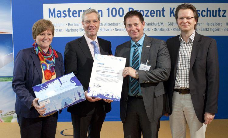Bürgermeisterin Ruth Dorner, Bundesumweltminister Dr. Norbert Röttgen, Neumarkts Oberbürgermeister Thomas Thumann und Ralf Mützel (von links)