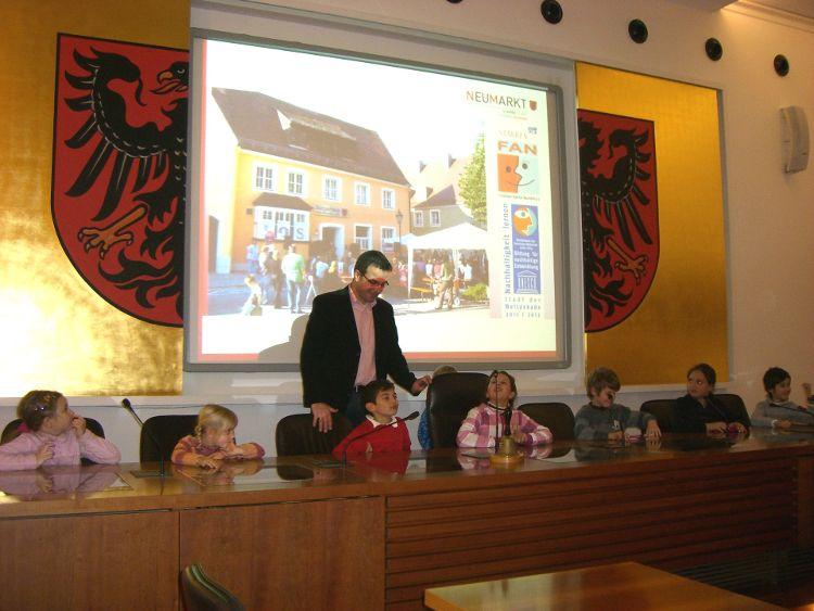 Kinder entdecken ihre Stadt - Unser Rathaus