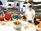 Kinder entdecken ihre Stadt - der Pizzabäcker