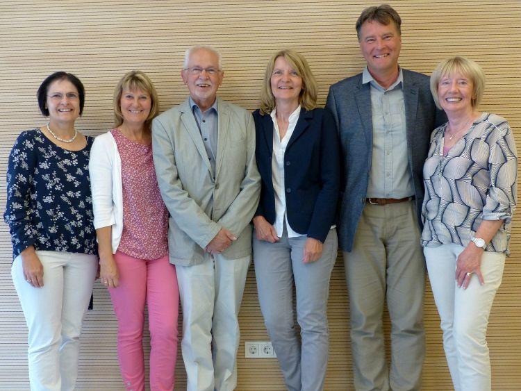 Foto (Herbert Meier) v.l.n.r.: Vera Finn, Heidi Dennerlohr, Paul Weppler, Inge Meier, Alois Dorner und Edith Ehrnsberger
