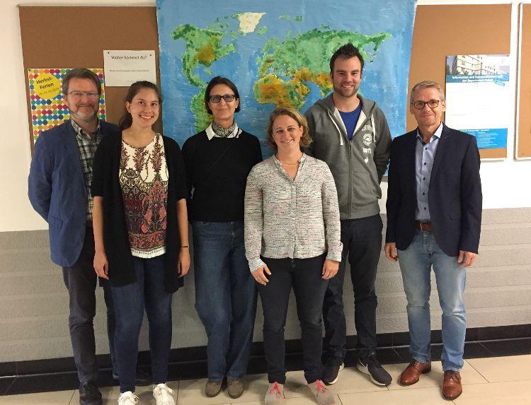 Die Veranstalter und Referenten des weltwärts-Informationstages an der Maximilian-Kolbe-Schule in Neumarkt.