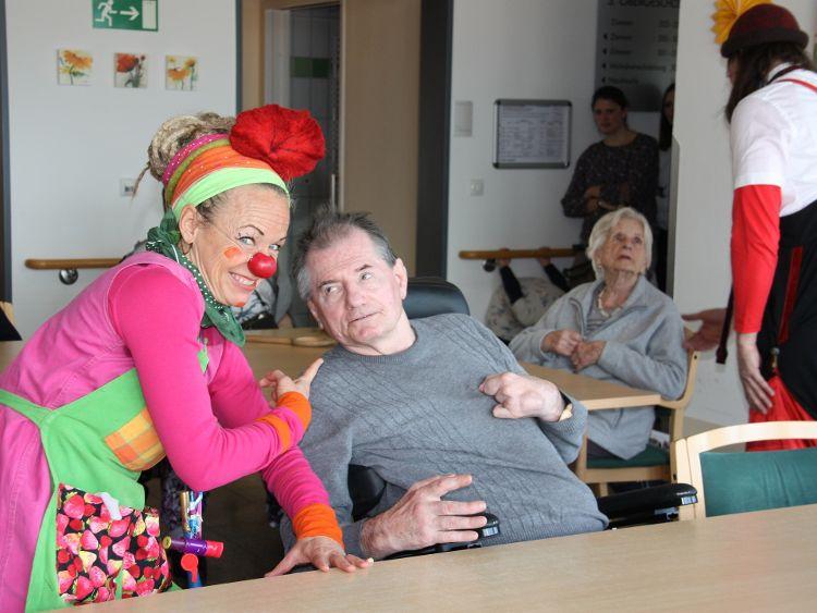 Foto (Alexandra Hiereth): Liesl und Gusti kamen bei den Senioren gut an