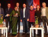 Über 5.000 Euro für die Stiftung von Vandana Shiva