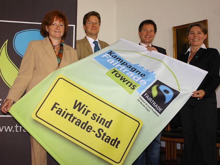 Neumarkt war 2009 die erste Stadt in Bayern, die für ihr vielfältiges Engagement in diesem Bereich als Fairtrade Stadt ausgezeichnet wurde, Archivfoto: Dr. Franz Janka