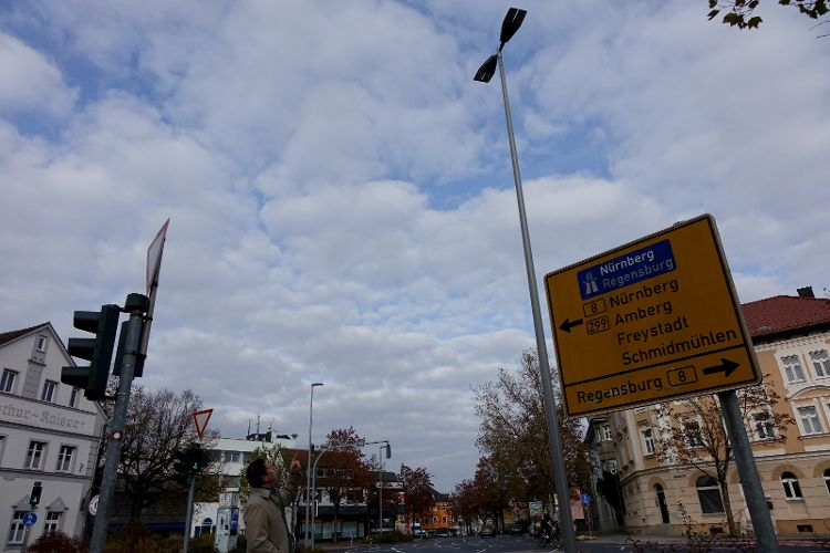 Straßenbeleuchtung an Hauptkreuzungen erneuert